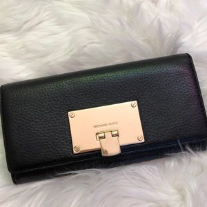 Michael Kors Black Leather Wallet Excellent Cond